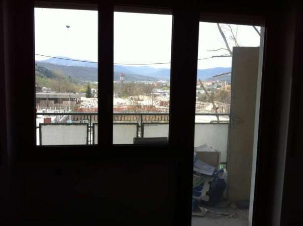 Periscopio vendesi finestre in pvc internorm for Finestre in pvc bianche
