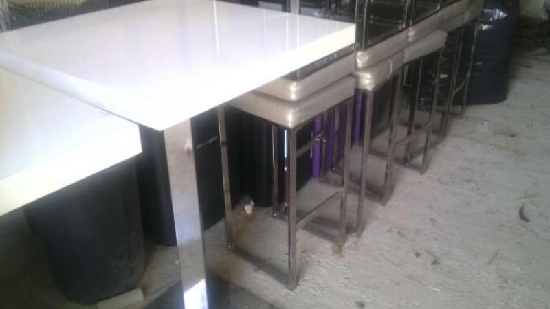 Periscopio vendo tavoli e sgabelli per bar locale